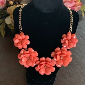NWOT Charming Charlie Floral Statement Necklace